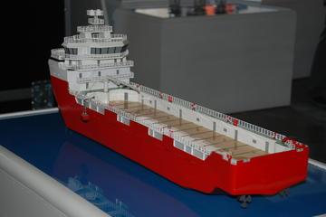 宏华展示船体模型