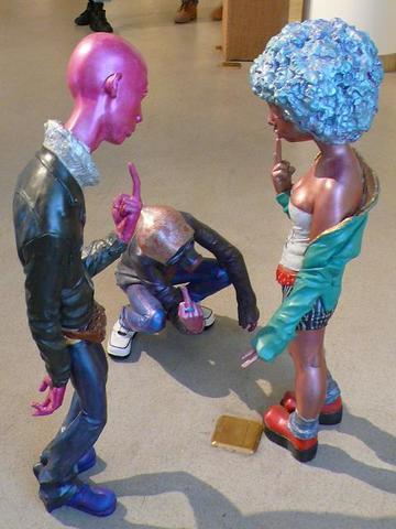 玻璃钢雕塑鄙视