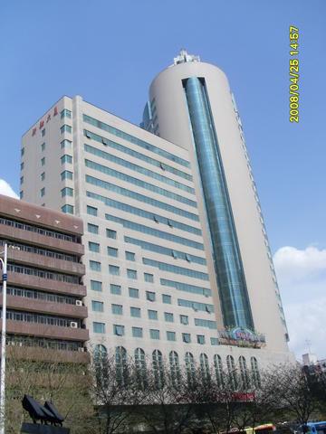 新疆新融大厦