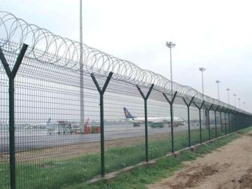 辨别机场护栏质量的小技巧