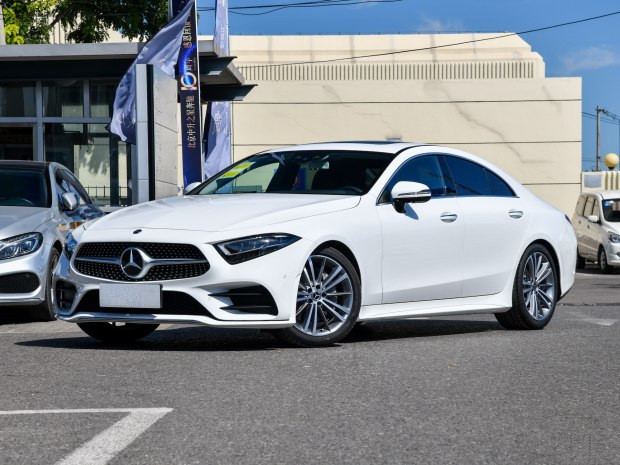 Mercedes Benz CLS class 2018 CLS 300 dynamic model