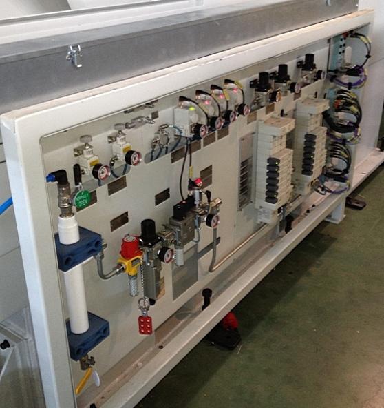 电控及气控系统