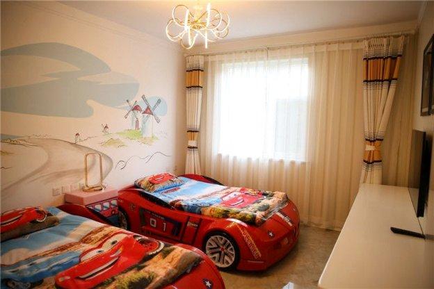 万龙儿童主题公寓酒店—汽车主题标间