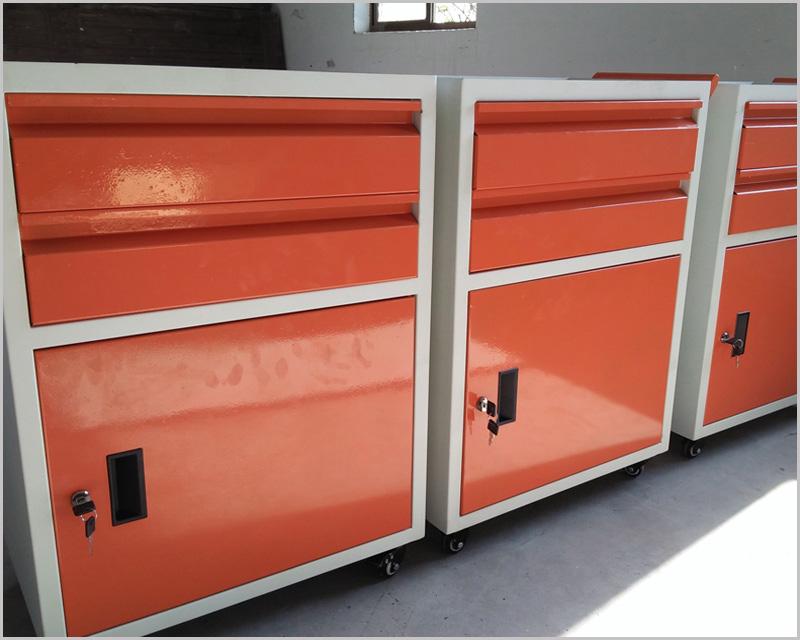 移动桌面式工具箱