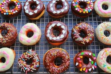 甜甜圈培训 甜甜圈培训班 甜甜圈特色小吃培训学校