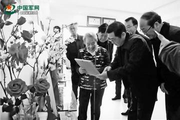 """社会各界人士走访慰问全国""""最美退役军人""""王昌群"""
