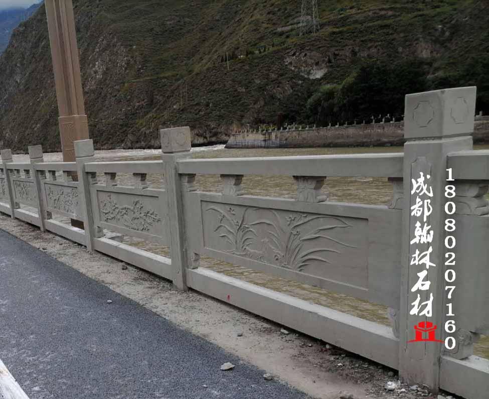 四川青石栏杆工程案例赏析_翰林石材常年不间断供应