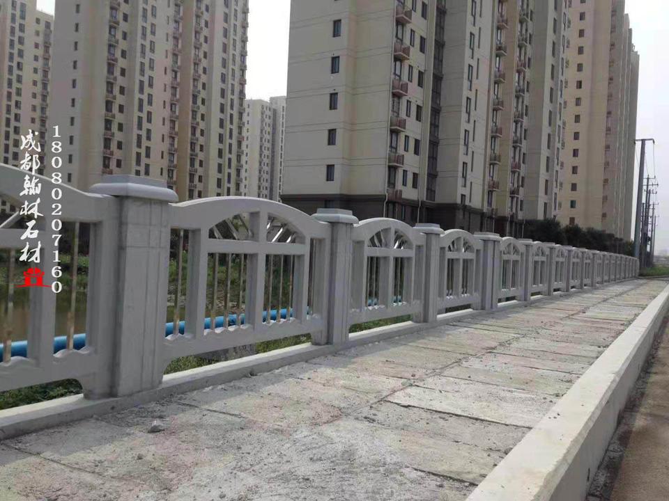 四川技术精湛水泥栏杆厂家专业定制批发