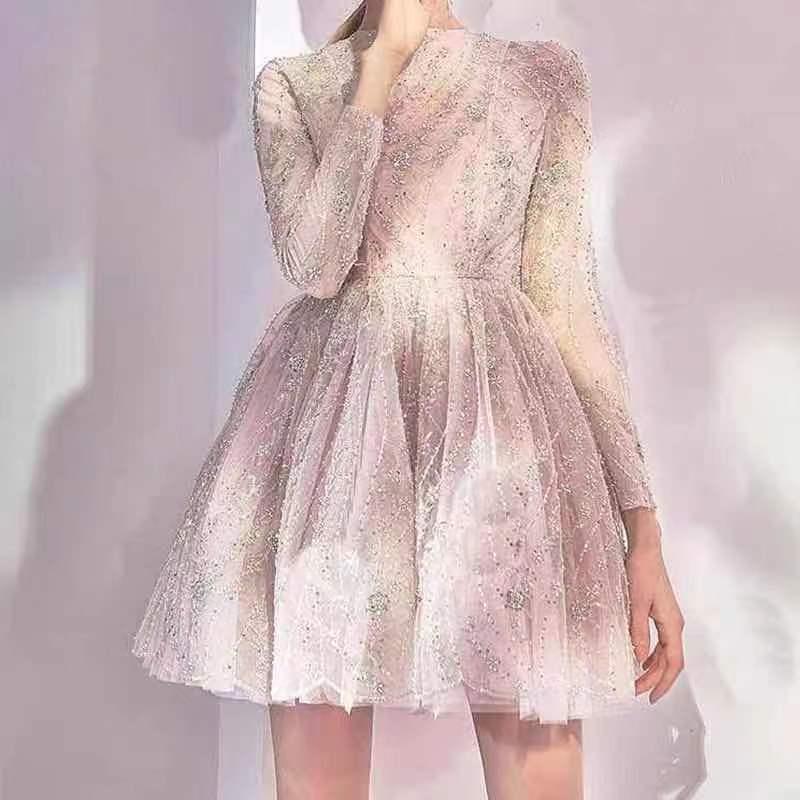 玛吉巴黎风青春短裙