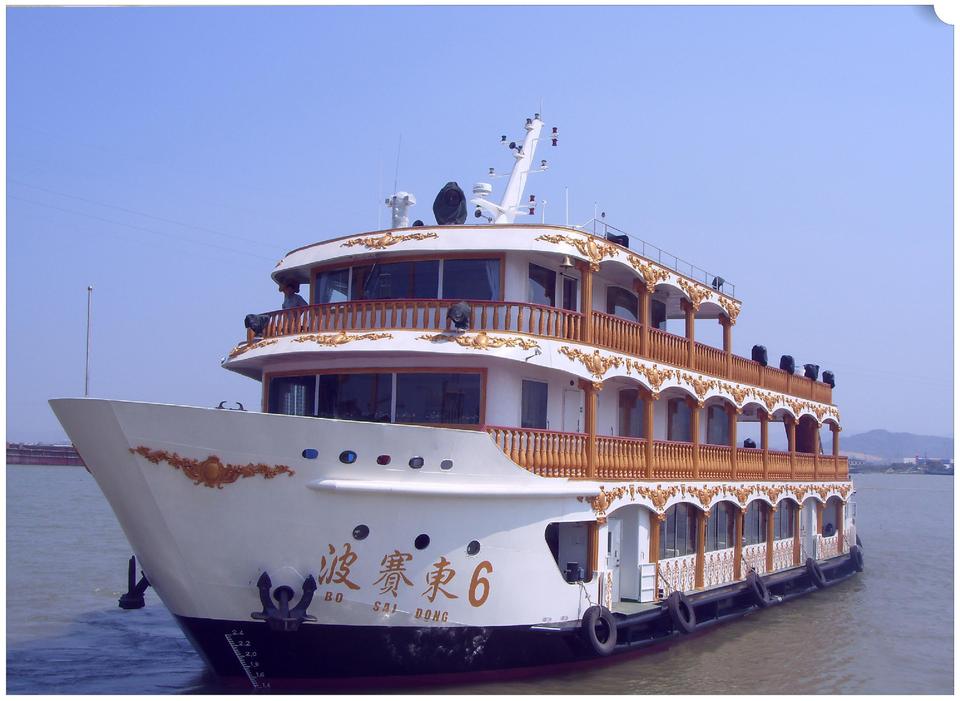 建造完工的 312 客位海上旅游船