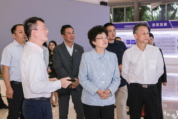 2019年11月30日,十三届全国政协副主席李斌考察博鳌乐城国际医疗旅游先行区和博鳌一龄生命养护中心