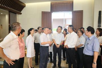 2017年8月12日省长沈晓明率队视察调研博鳌一龄生命养护中心