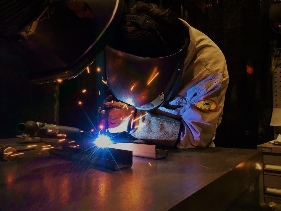 焊接设备、材料提供