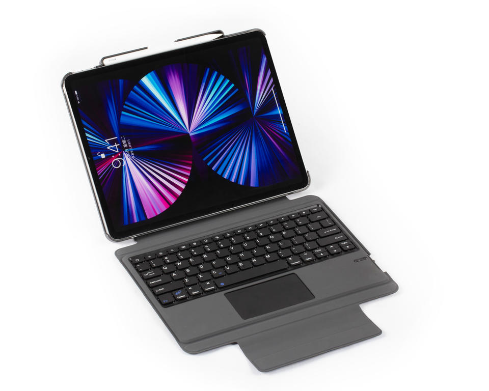 Foldable stand case for iPad with split type bluetooth keyboard