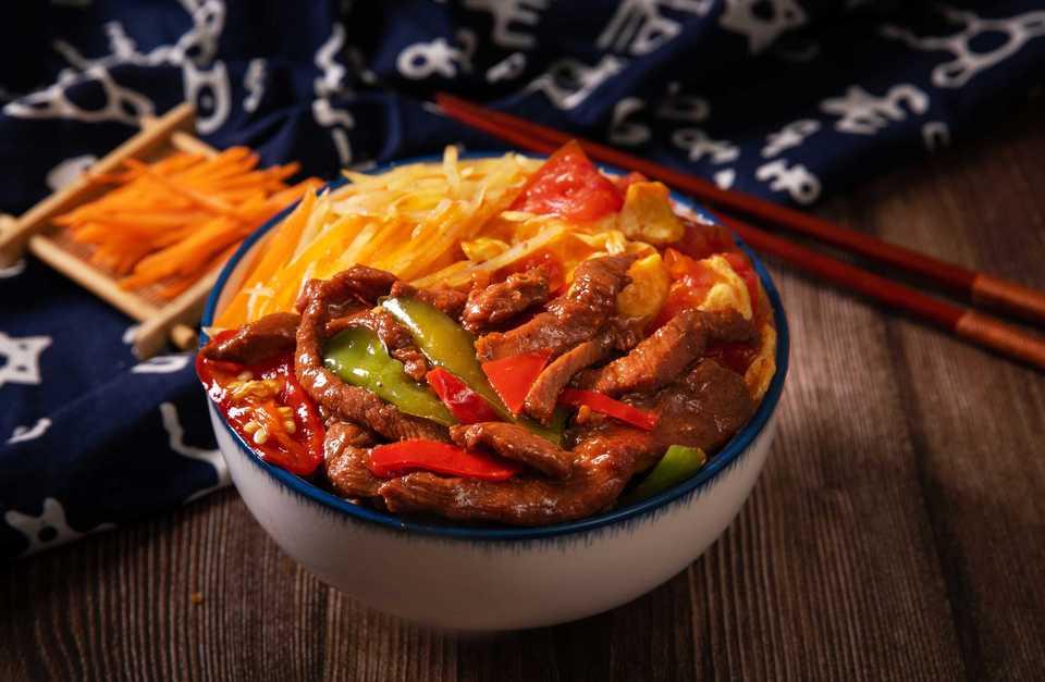 辣椒炒肉饭