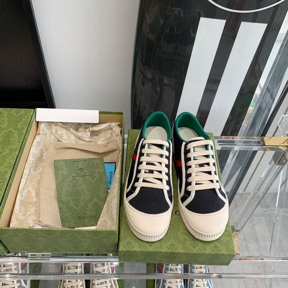 春夏最新单品 小白鞋怎么搭配都好看 舒服又百搭 出镜率极高 码数:35-40