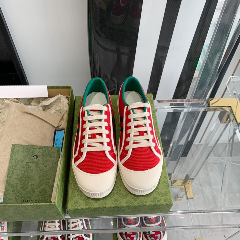 夏最新单品 小白鞋怎么搭配都好看 舒服又百搭 出镜率极高 码数:35-40