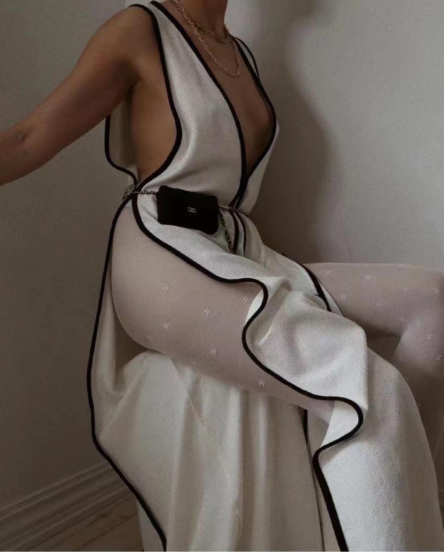 款号20214228 Chane*新款黑白撞色开叉 深V领无袖连衣裙 礼服长裙,白色,36 38 40,【36码;胸围80,总长130】24583590